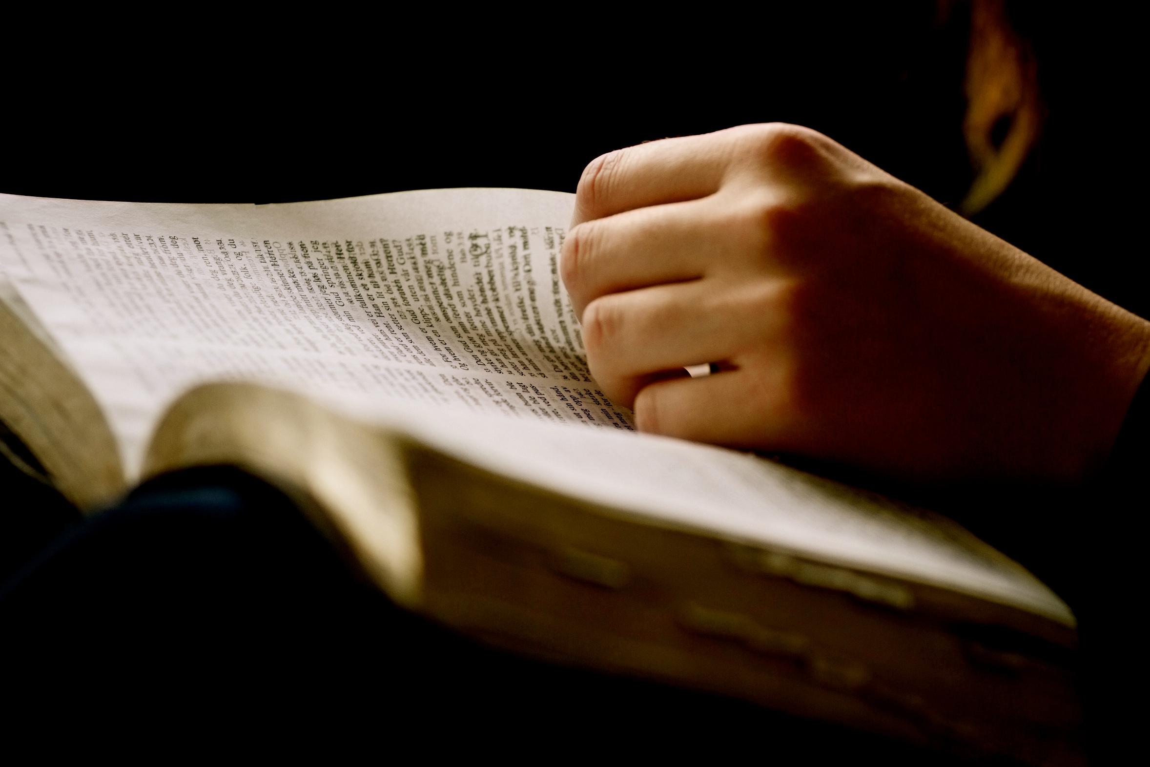 Bible-lue-augmenté